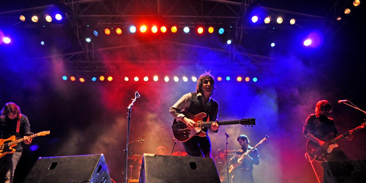 Rock and Roll, Spaguetti Western, Semana Santa… «Pájaro»