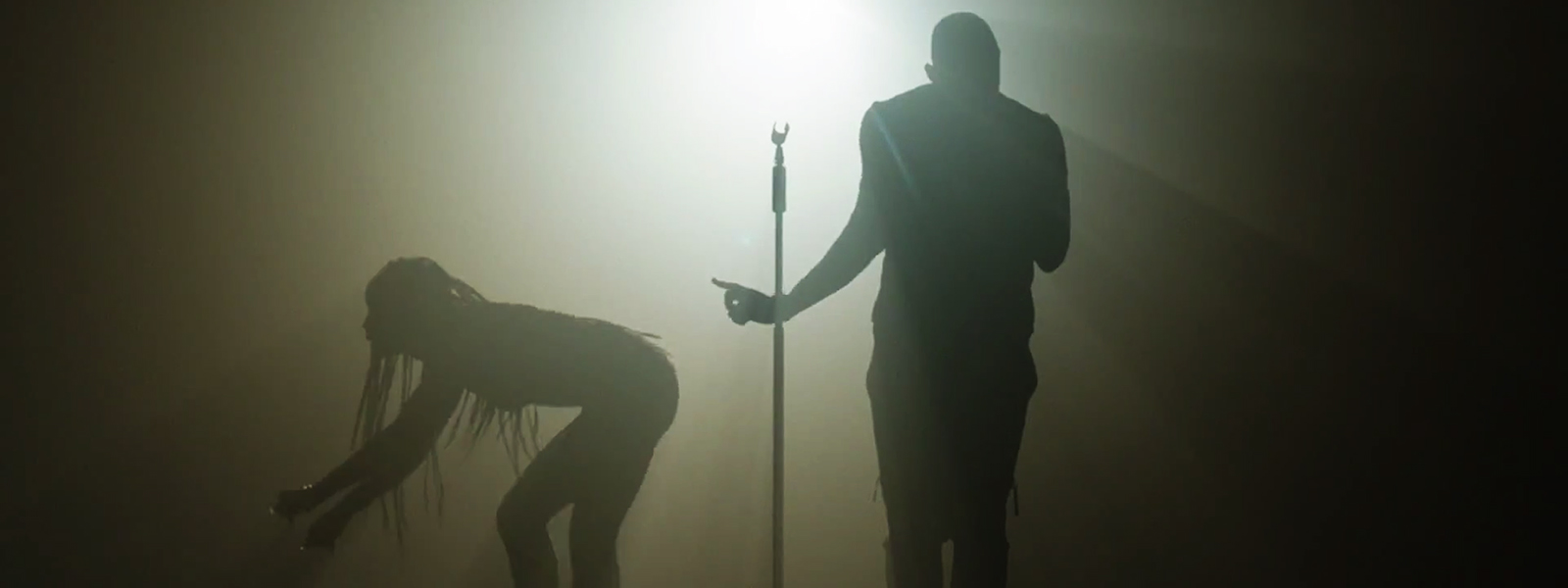 Usher – She Came To Give It To You ft. Nicki Minaj